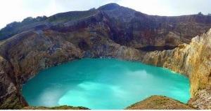 Gunung Kelimutu, Nusa Tenggara Timur