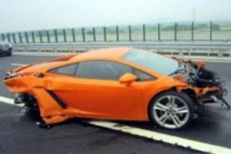 5 Foto Lamborghini Yang Mewah, Tapi Jeleknya Parah